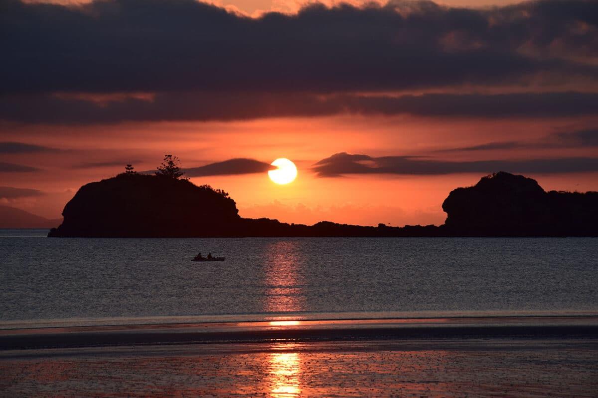 Plage magnifique de la côte Est de l'Australie au lever du soleil