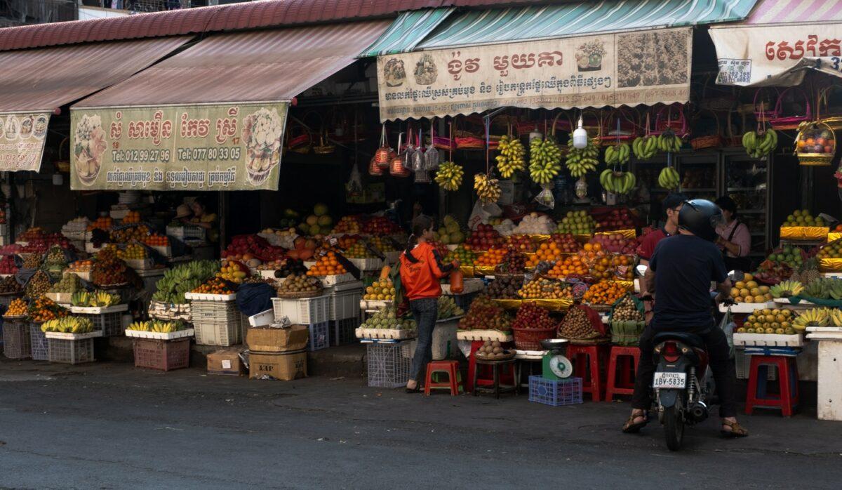 Voyager au cambodge hors des sentiers battus marché