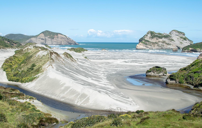 Wharariki beach : une des plus belles plages du monde
