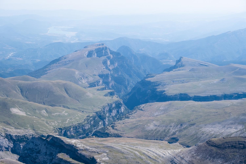canyon d'anisclo vu depuis le sommet du mont perdu